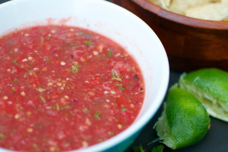 Fresh and Easy Salsa / Big Eats Tiny Kitchen