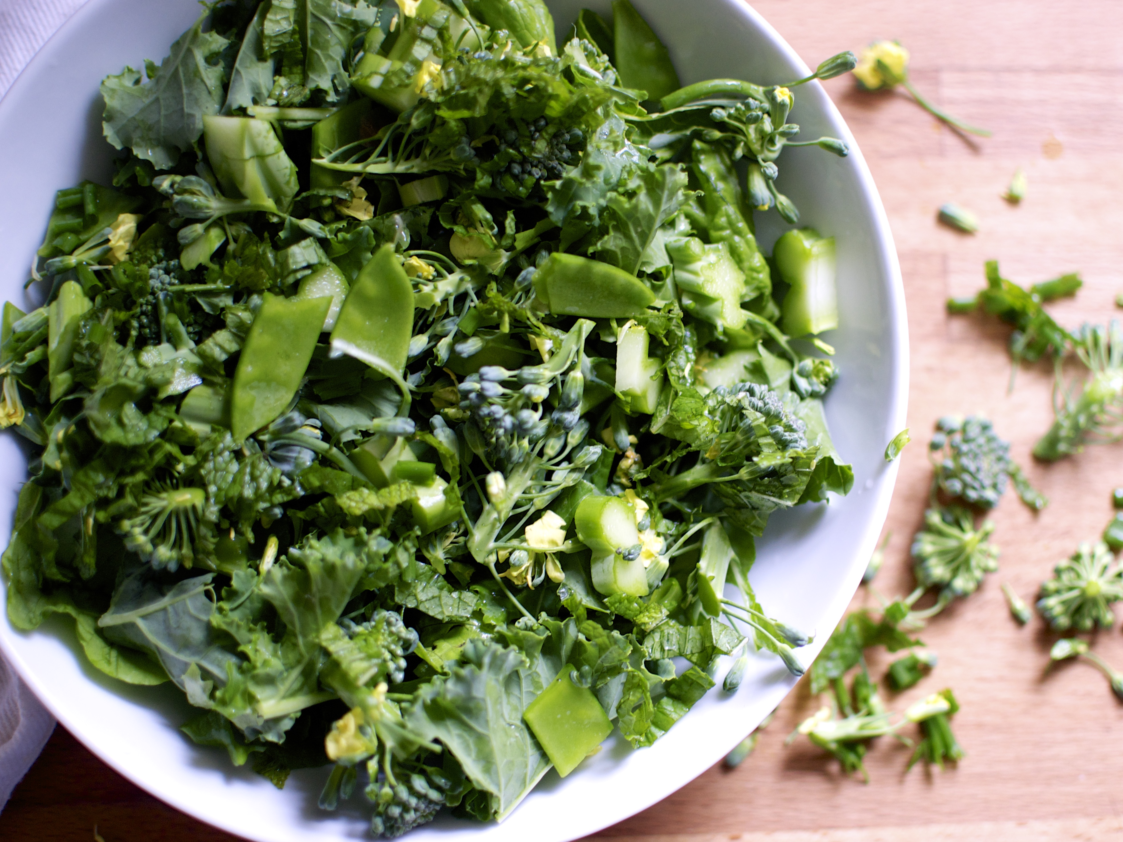 how to cut salad greens